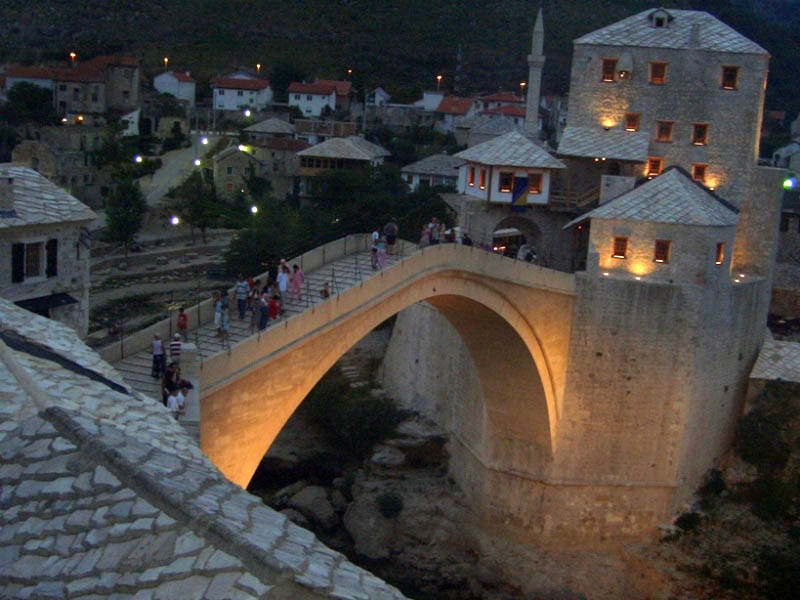 GAP OLD BRIDGE IN MOSTAR.JPG